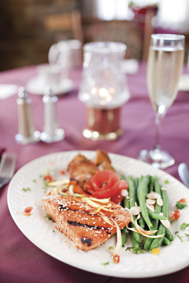 A simply delicious grilled salmon and fresh green beans.