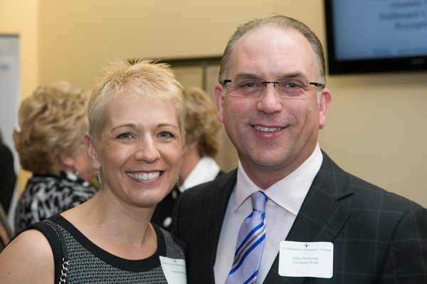 8462-7-NorthamptonCommunityCollegePresidentsReceptionDiane-and-Mike-Molewski.jpg.jpe