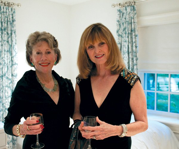 8765-Peggy-Gunton-and-Peggy-Brown.jpg.jpe