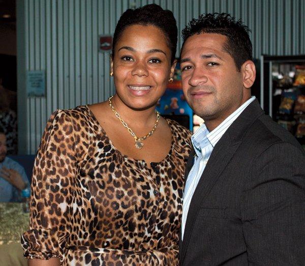 9031-Sharon-and-Frank-Rosario.jpg.jpe