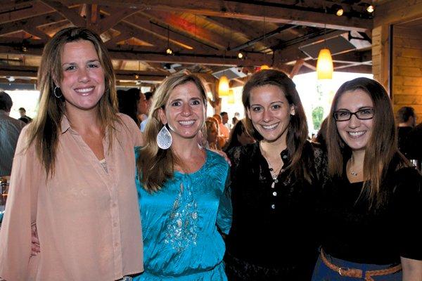9037-Eliza-Transue-Jenny-Ryan-Lindsay-Gray-and-Amanda-Harding.jpg.jpe
