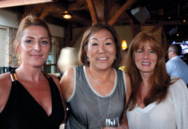 9055-Valerie-Reimbrt-Denise-Conlin-and-Lisa-Unger.jpg.jpe