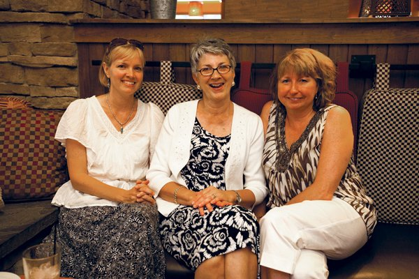 9119-Becky-Rothenberger-Ramona-Peifer-and-Carol-Gerlott.jpg.jpe