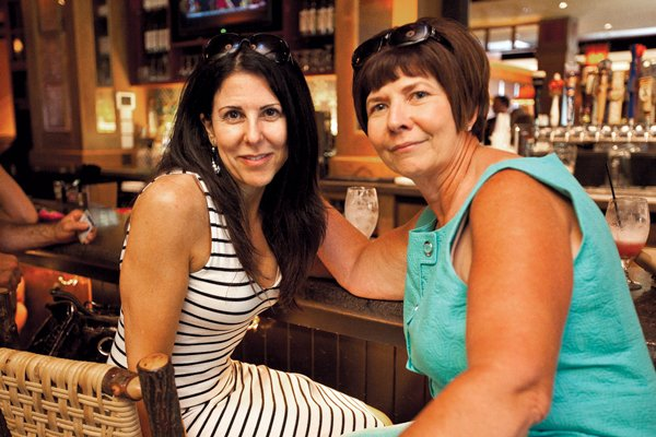 9133-Lisa-Blecker-and-Susan-Christine.jpg.jpe