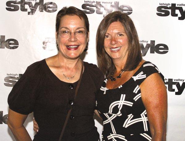 9189-Nancy-Signorovitch-and-Debbie-Drisiole.jpg.jpe