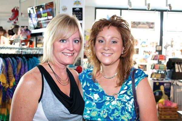 9234-Stephanie-Schadler-and-Melanie-Valo.jpg.jpe