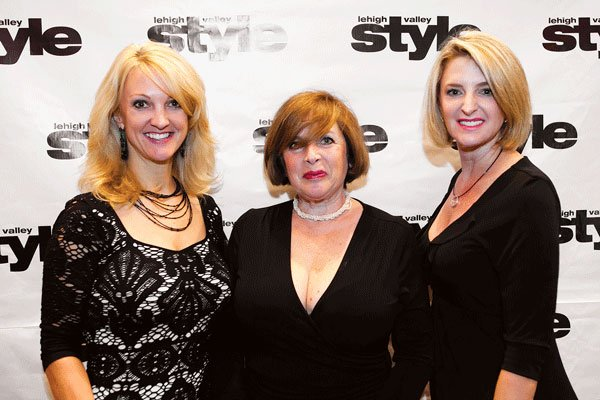 9770-Nancy-Smith-Anita-Jacobs-and-Seena-Boyle.jpg.jpe