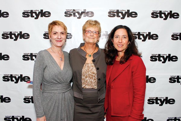 9844-Joyce-Dougherty-Kathy-Leber-and-Kim-Perry.jpg.jpe