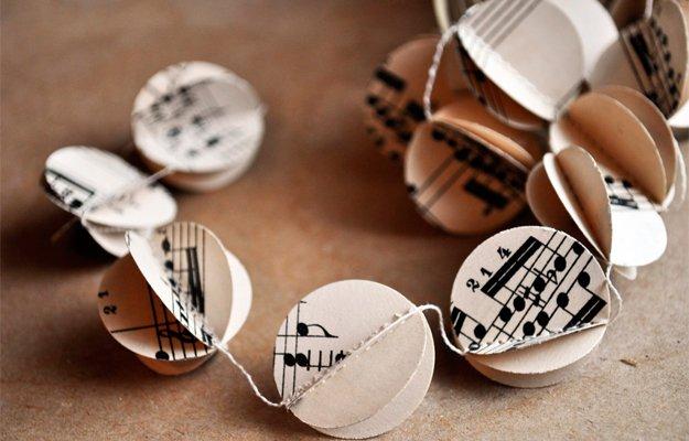 paper-garland---Kristina-Marie.jpg.jpe