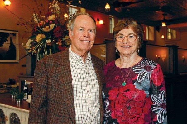 9948-John-and-Bonnie-Pearce.jpg.jpe