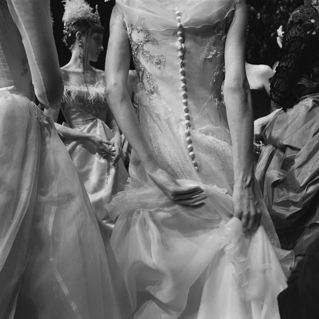 10072-FinkLarryFink_ChristianLacroixHauteCouture_Paris_January1998.jpg.jpe