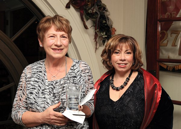 10932-Irene-Estelle-and-Suzanne-Barba.jpg.jpe
