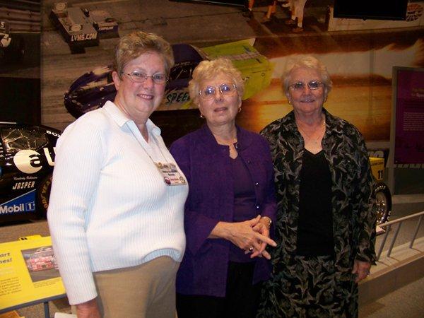 11074-Linda-Klosek-Marilyn-Ritter-and-Linda-Hardner.jpg.jpe