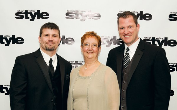 11211-Jeff-Dorio-Barb-Hunsicker-and-Tom-Bendetti.jpg.jpe