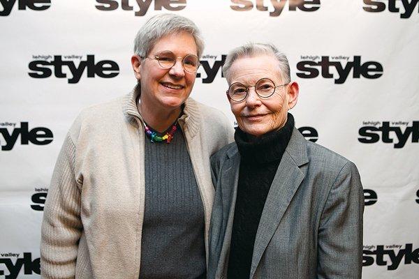 11812-webLiz-Bradbury-and-Patricia-Sullivan.jpg.jpe