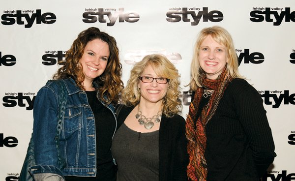 12213-webPeggy-Walls-Kelly-Pearsall-and-Tracy-Guzevich.jpg.jpe