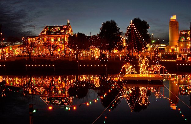 Photo Courtesy of Koziar's Christmas Village