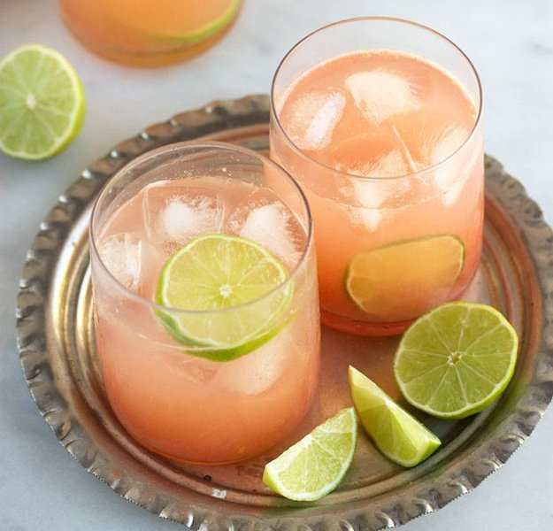Tropical-champagne-punch.jpg.jpe