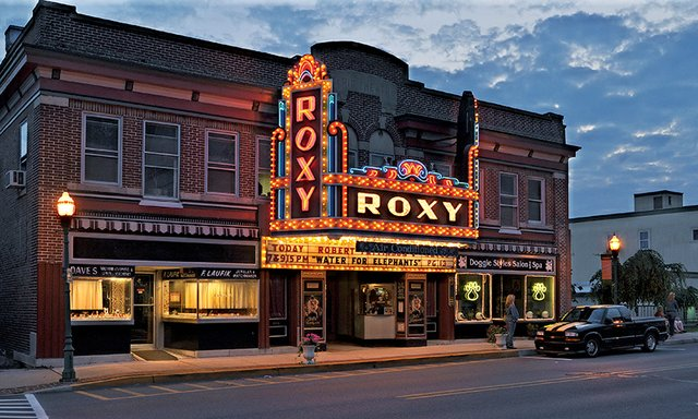 roxy2.jpg