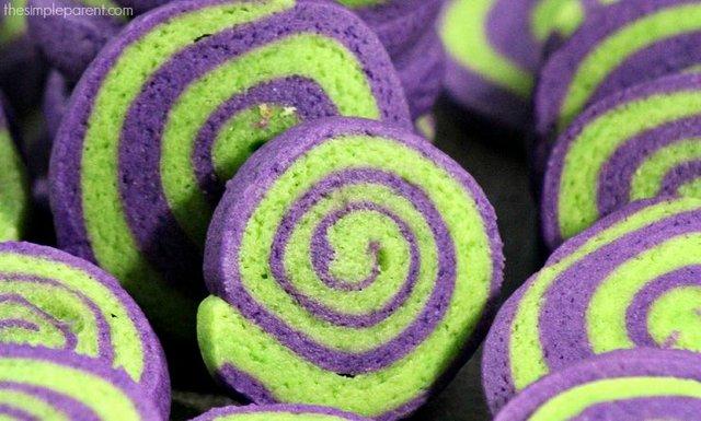 Halloween-Pinwheel-Cookies-1.jpg
