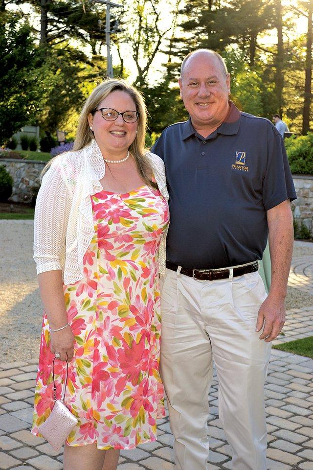 Michelle and Neil Hollis.JPG