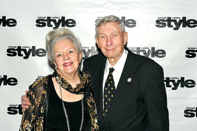 Barbara Bigelow and Leon Peters.jpg