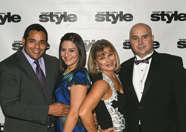 Erwin and Andreina Roos, and Nadya and Victor Salicetti.jpg