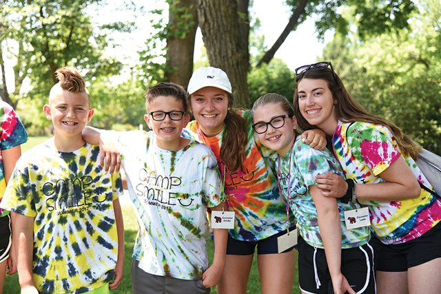 campsmile2017group-web.jpg