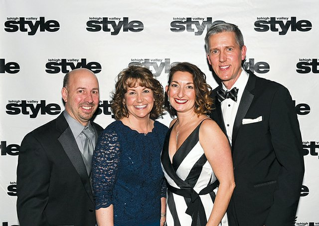 Arden and Cheryl McCue, and Susan and Dan Linski.jpg