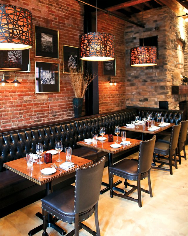 Interior of Oak Steakhouse