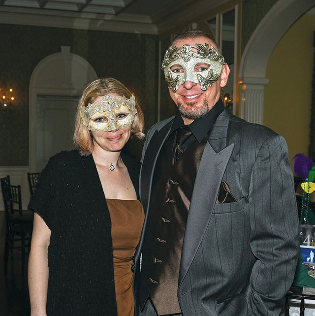 Lindsay and Jason Harrar.jpg