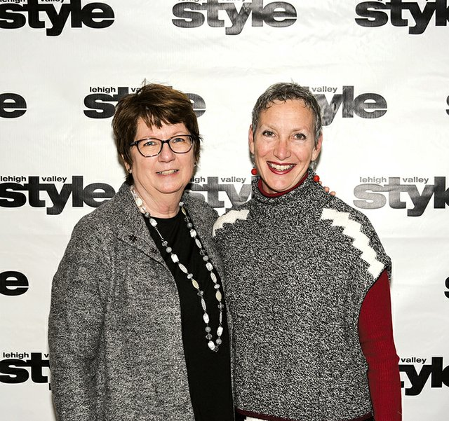 Leslie Smith and Darla Pompilio.jpg
