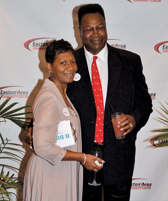 Diane and Larry Holmes.jpg