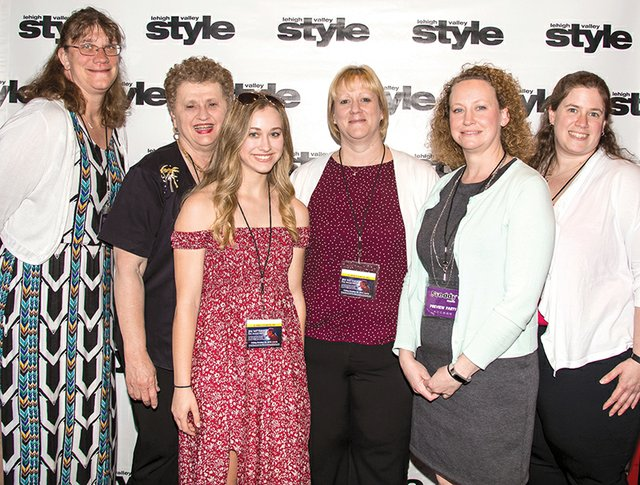 Carolyn Miller, Diane Seyfried, Hannah Farkus, Cathy Miller, Taryn Farkus and Cindy Penchishen.jpg