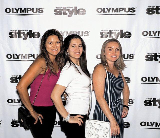 Luciane Vaz, Isabel Esteves and Juliana Pinheiro.jpg