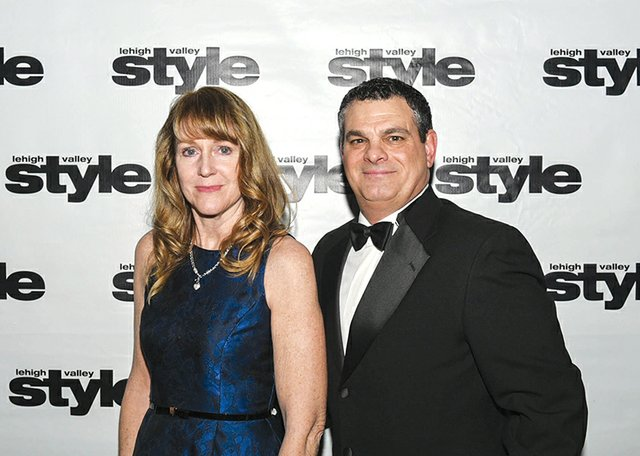 Loretta and Wayne Becker.jpg