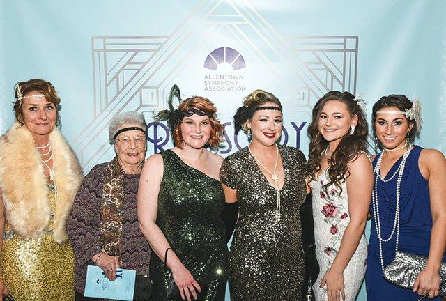 Janet Shankweiler, Doris Weaver, Lauren Scanlon, Katie Rex, Isabella Marrone and Gianna Marrone.jpg
