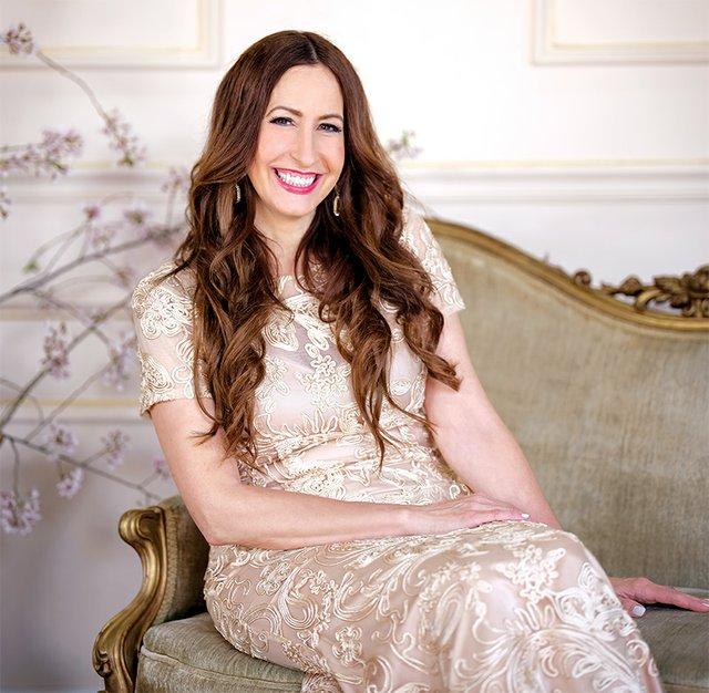 Alyssa Budraitis, Founder & Owner of Beautiful Linens, LLC