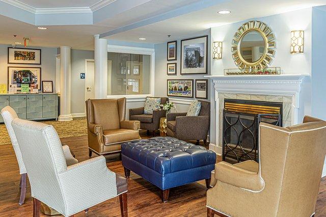 Rittenhouse_Lobby-3-1080p.jpg