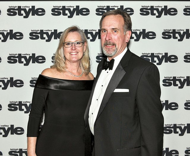 Joyce and Gordon Bigelow.jpg