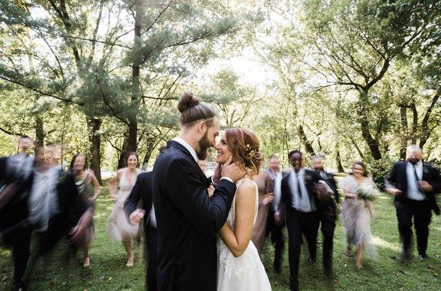 tracey-joey-bridal-party-run.jpg