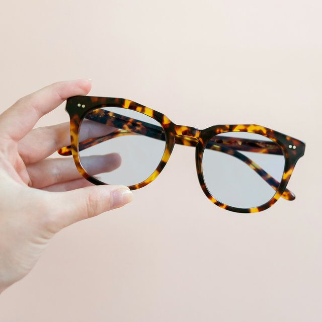 blue-light-tortoiseshell-glasses.jpg