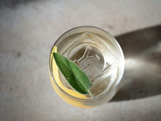 yiannis-cocktail-web.jpg