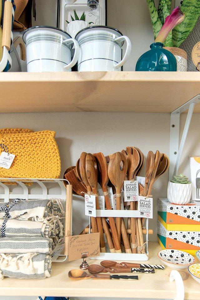 learke-shelves-web.jpg